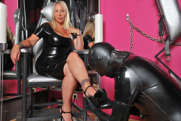 Feet and shoe cleaning femdom